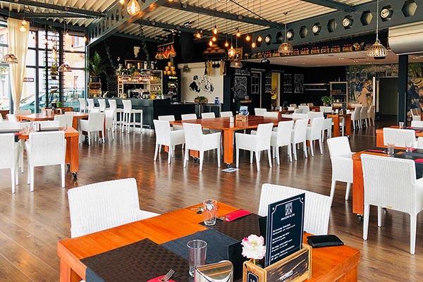 interieur restaurant van Brasserie De Zon